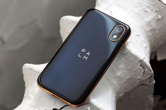 Palm: крохотный Android-смартфон с легендарным именем4
