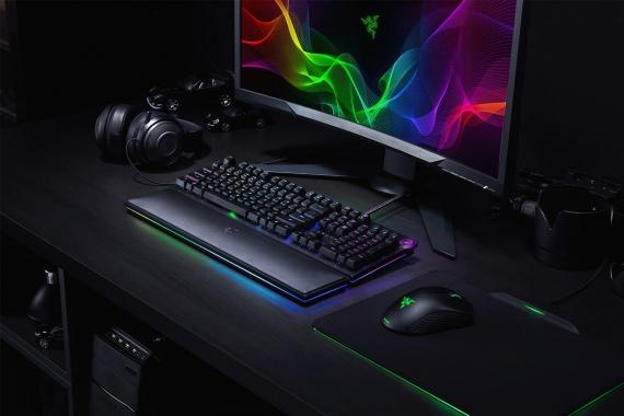 Razer выпустила клавиатуры с оптическими клавишами3