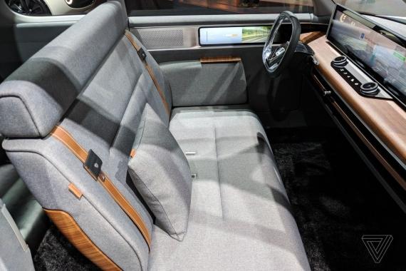 Электромобиль Honda Urban EV показали вживую3