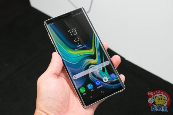 Фотографии Samsung Galaxy Note 9 в белом3
