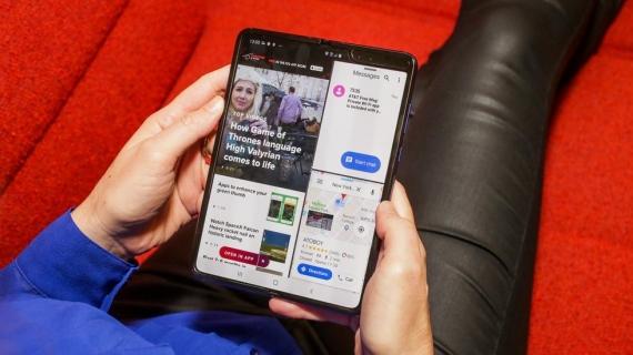Что говорят журналисты о складном смартфоне Samsung Galaxy Fold16