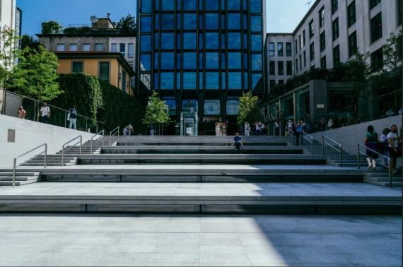 Piazza Liberty — самый красивый Apple Store3
