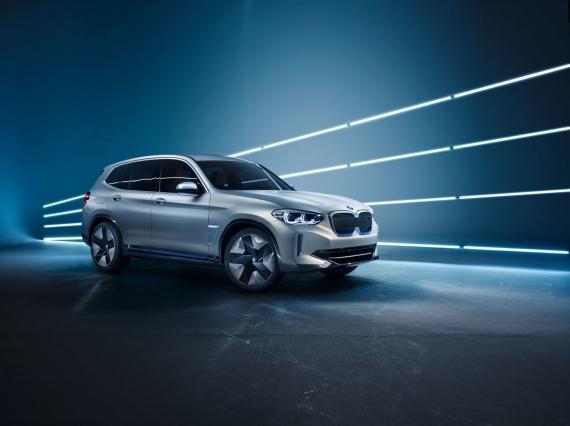 BMW выпустит электрическую версию кроссовера X31
