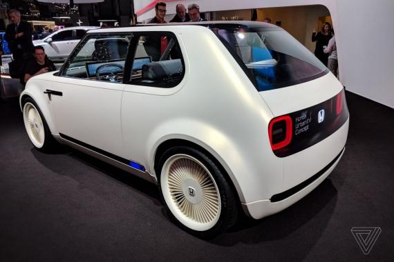 Электромобиль Honda Urban EV показали вживую0