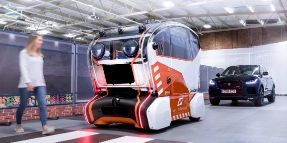 Jaguar Land Rover предложил наделить беспилотники глазами2