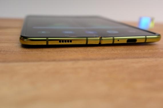 Что говорят журналисты о складном смартфоне Samsung Galaxy Fold27