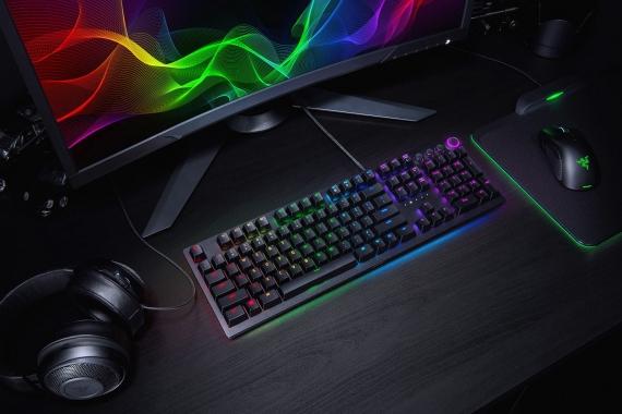 Razer выпустила клавиатуры с оптическими клавишами4