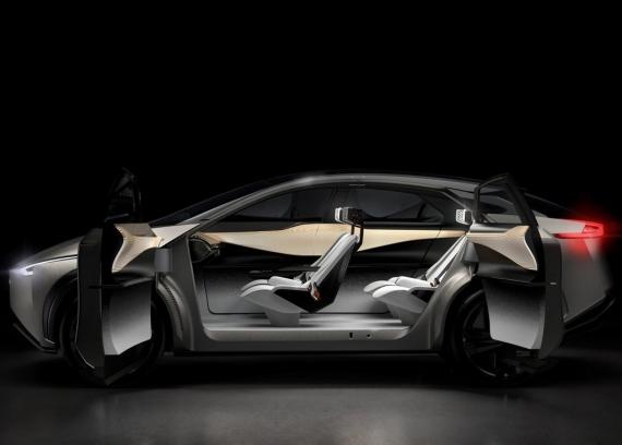 Электромобиль Nissan IMx Kuro следит за мозговой активностью водителя3