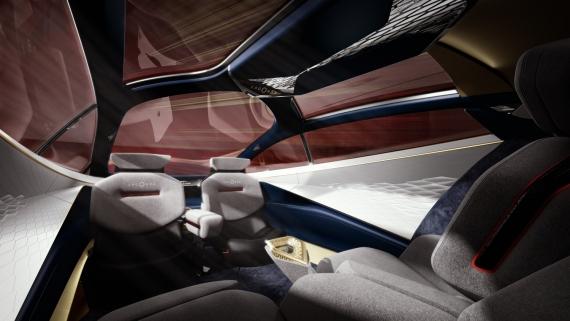 Aston Martin представила роскошный электрический седан7