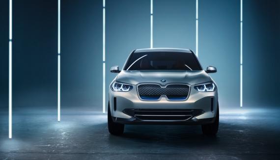 BMW выпустит электрическую версию кроссовера X34