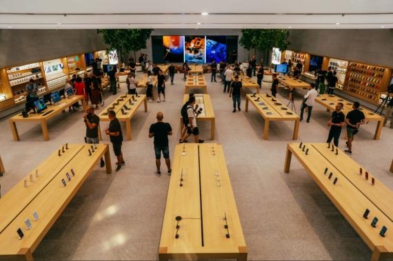 Piazza Liberty — самый красивый Apple Store5