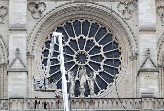 Первые фото Собора Парижской Богоматери после пожара4