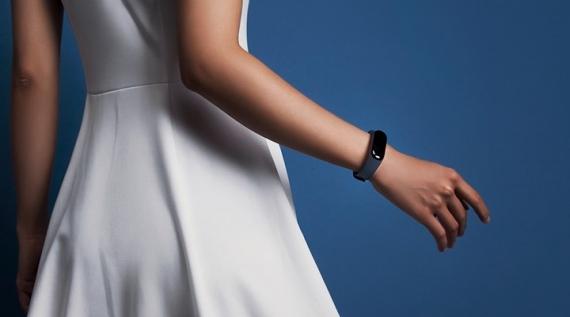 Представлен Xiaomi Mi Band 3 с сенсорным дисплеем1