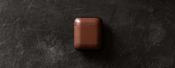 Nomad представила кожаный чехол для AirPods1