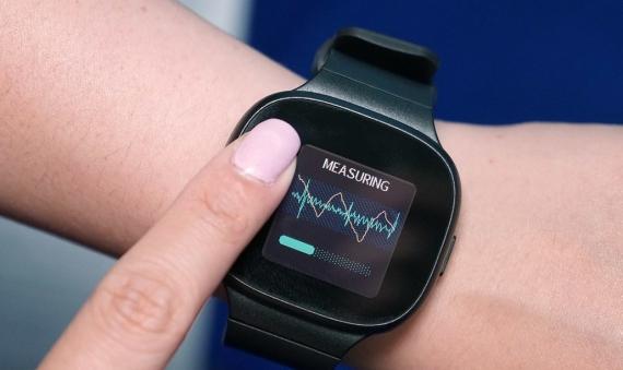 Умные часы от ASUS для измерения кровяного давления3