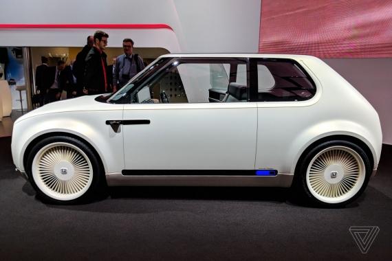 Электромобиль Honda Urban EV показали вживую2