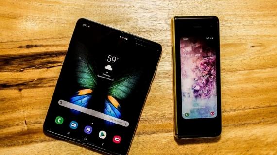 Что говорят журналисты о складном смартфоне Samsung Galaxy Fold8