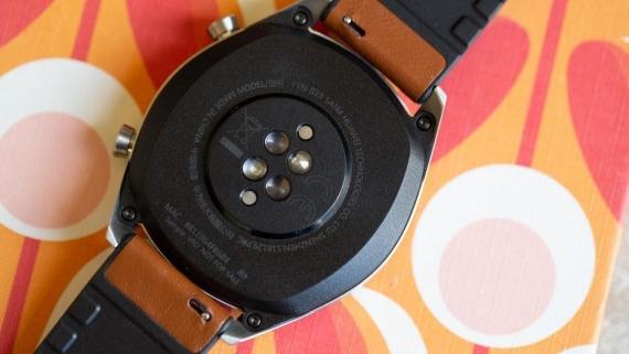 Huawei Watch GT проработают две недели от одного заряда2