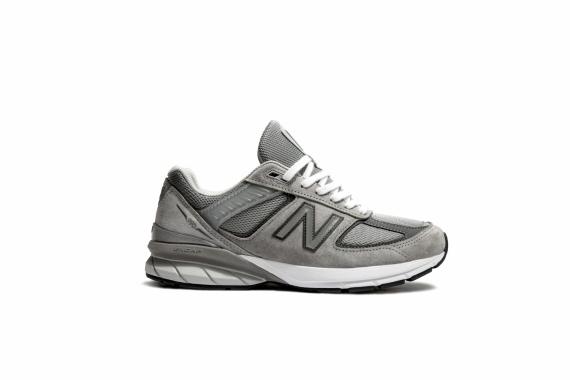 New Balance перевыпустила модель любимых кроссовок Стива Джобса2