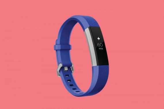 Fitbit представила умные часы и браслет для детей2