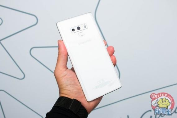 Фотографии Samsung Galaxy Note 9 в белом1
