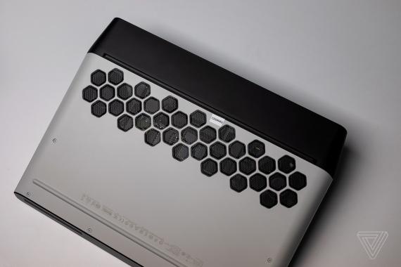 Alienware Area-51m — игровой ноутбук с возможностью обновления CPU и GPU3