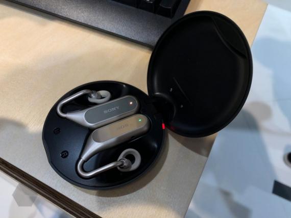 Sony представила Xperia XZ2 и XZ2 Compact11