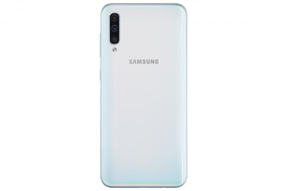 Samsung начала продажи Galaxy A50, A30 и A20 в России1