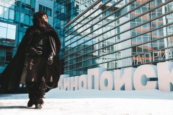 К офису «Яндекса» привезли снег в честь выхода «Игры престолов»1