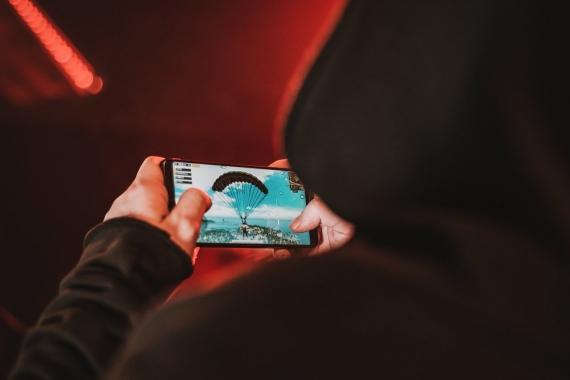 Nubia представила игровой смартфон Red Magic2