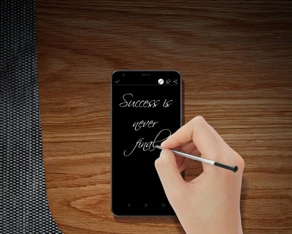 LG Stylo 4: большой дисплей, NFC и стилус в придачу3