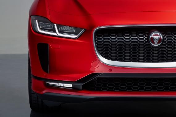 Электрический кроссовер Jaguar I-Pace появится в России1
