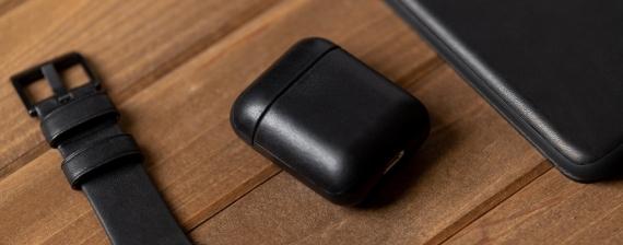 Nomad представила кожаный чехол для AirPods5