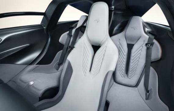 Гибридный гиперкар McLaren Speedtail разгоняется до 403 км/ч1