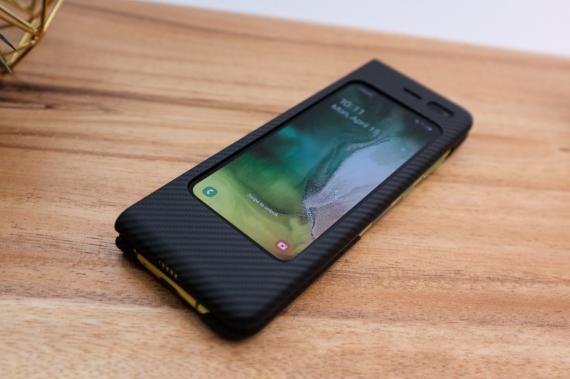 Что говорят журналисты о складном смартфоне Samsung Galaxy Fold22