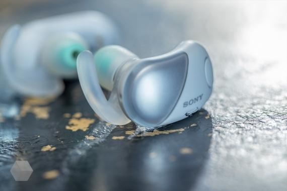 Sony WF-SP700N — спортивные беспроводные наушники с шумоподавлением3