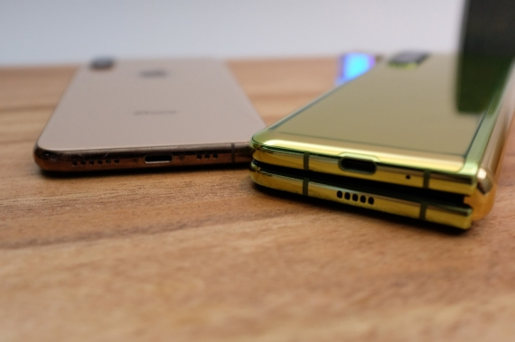 Что говорят журналисты о складном смартфоне Samsung Galaxy Fold28