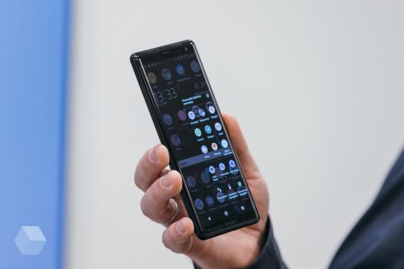 Первое впечатление от Sony Xperia XZ38