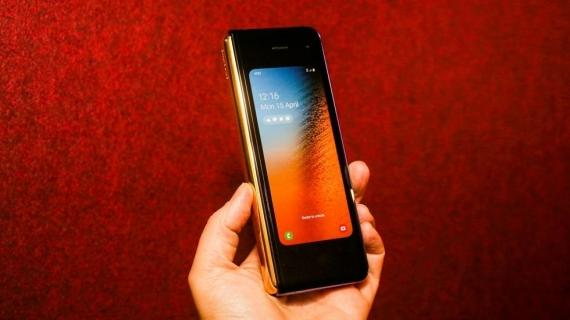 Что говорят журналисты о складном смартфоне Samsung Galaxy Fold9