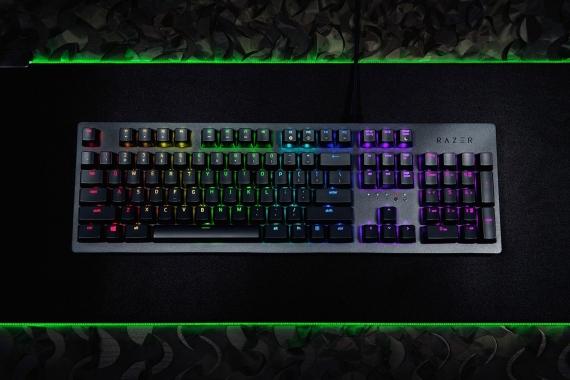 Razer выпустила клавиатуры с оптическими клавишами1