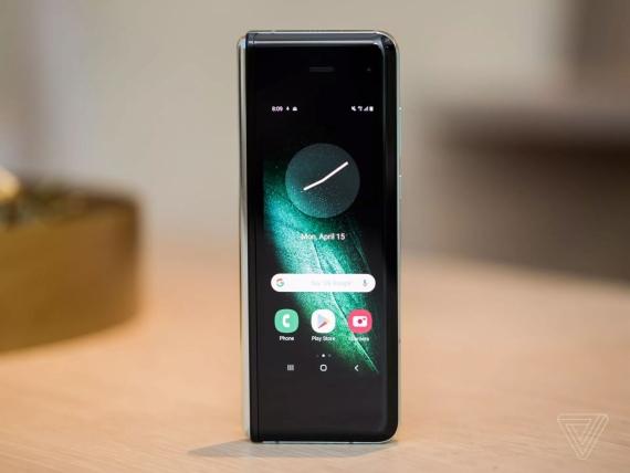 Что говорят журналисты о складном смартфоне Samsung Galaxy Fold2