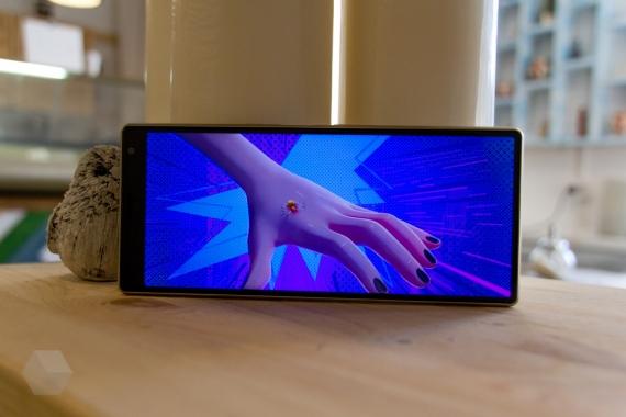 Обзор Sony Xperia 10 и 10 Plus. Идея нравится, но реализация хромает13