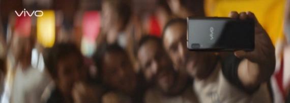 Vivo выпустит смартфон с выдвижной фронтальной камерой3