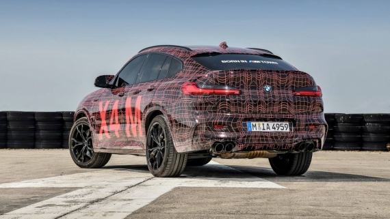 BMW поделилась фотографиями с испытаний X3/X4 M22
