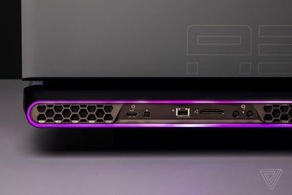Alienware Area-51m — игровой ноутбук с возможностью обновления CPU и GPU6