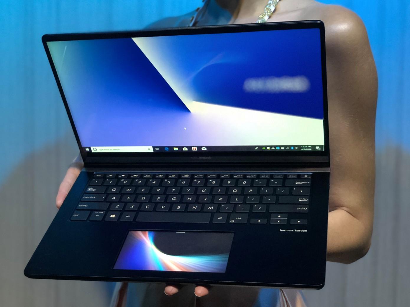 Asus показала ноутбуки с тачскрином вместо тачпада1