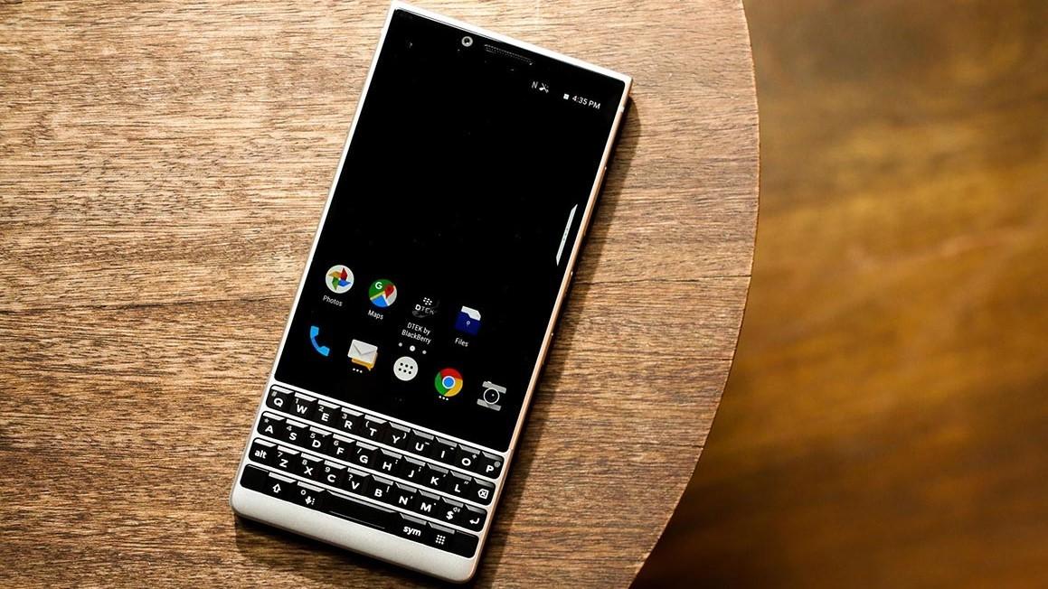 BlackBerry начала продажи KEY2 в России