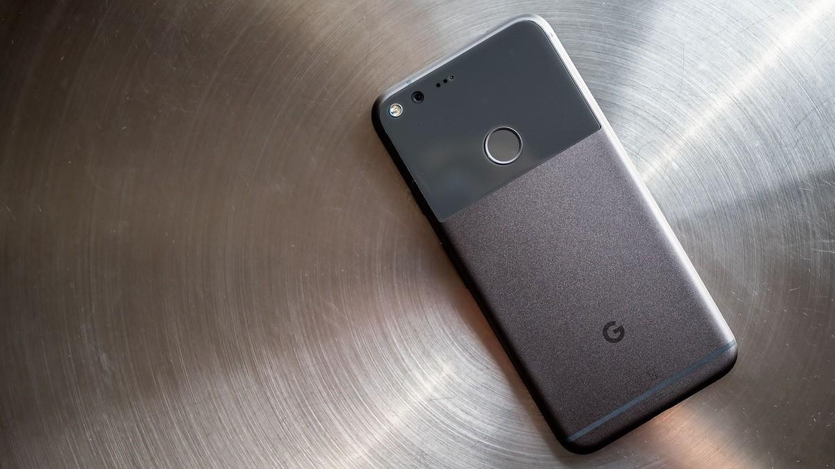 Google выпустит док-станцию для зарядки Pixel Stand