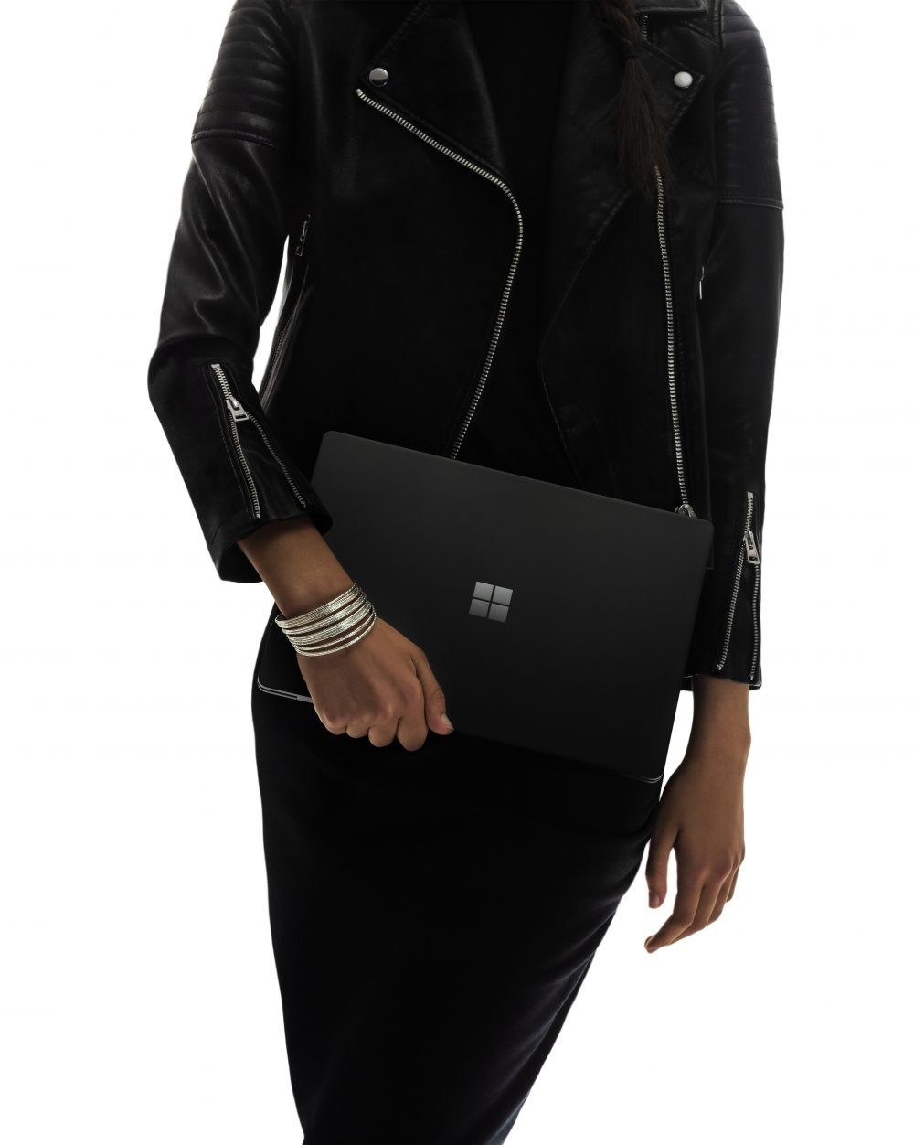 Microsoft Surface Laptop 2: то же самое, но с чёрным корпусом3