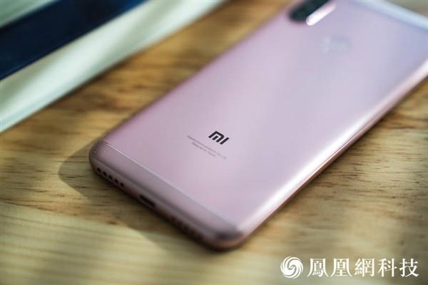 Официальные рендеры и дата анонса Xiaomi Redmi 6 Pro8